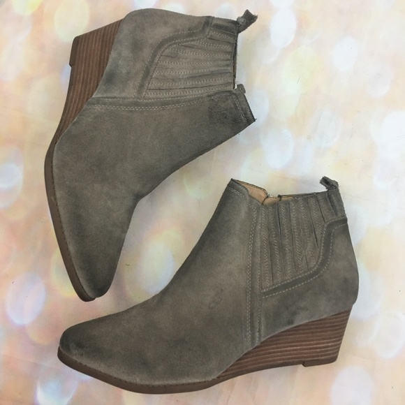 a3ee9c8e213d Franco Sarto wayra suede wedge ankle boots zip
